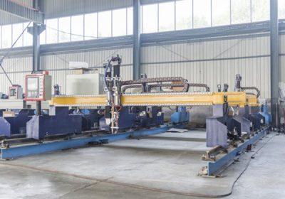 Kina Jiaxin 1300 * 2500mm woking området plasma skjære maskin for metall cutter Plasma spesielle stat LCD-panel kontrollsystem